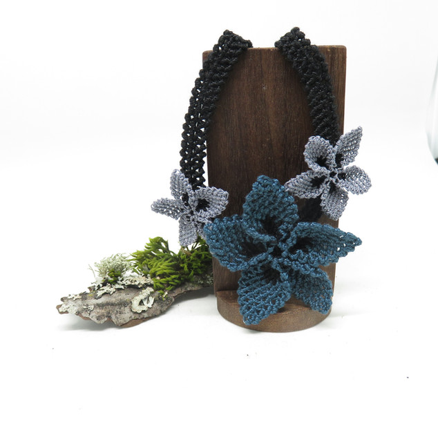 oya_lace_grey_teal_star_flower_necklace_