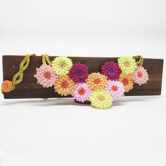 oya_lace_chrysanthemum_necklace_04.jpg
