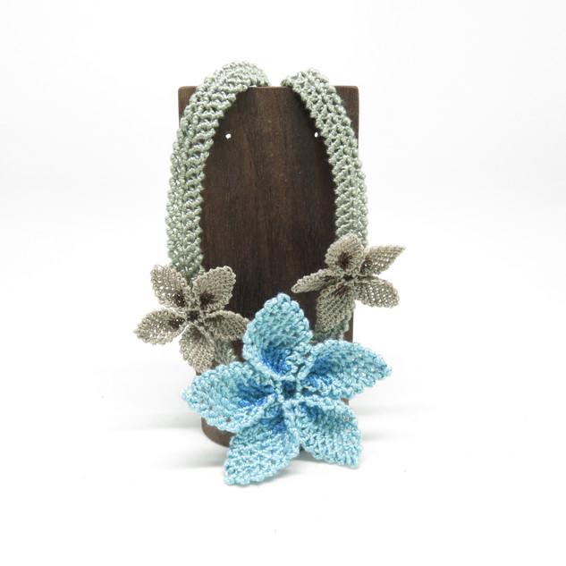 oya_lace_blue_beige_star_flower_necklace
