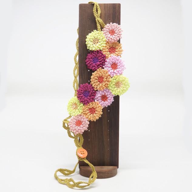 oya_lace_chrysanthemum_necklace_03.jpg