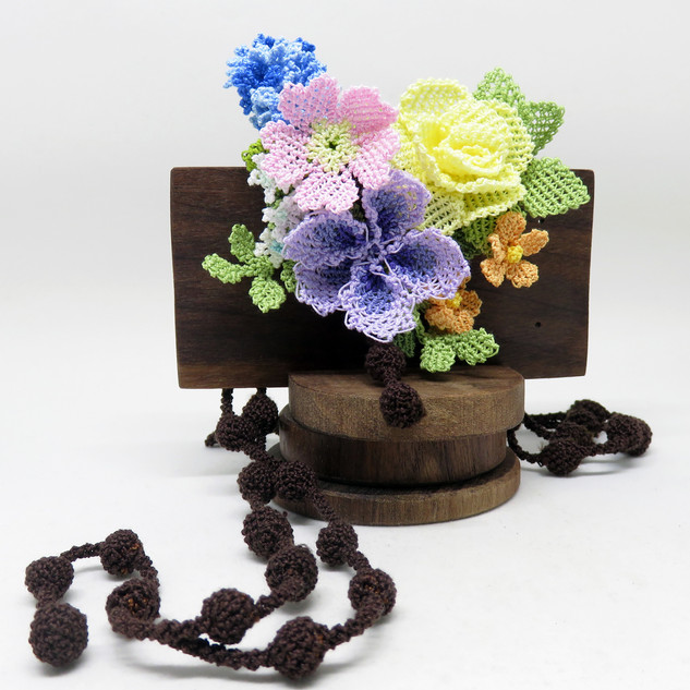 turkish_oya_lace_spring_geranium_rose_necklace_0