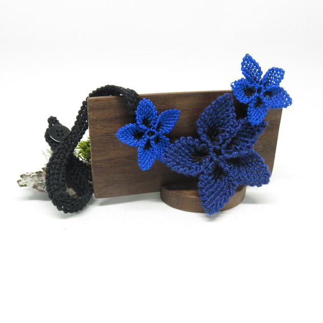 oya_lace_bright_blue_navy_star_flower_ne
