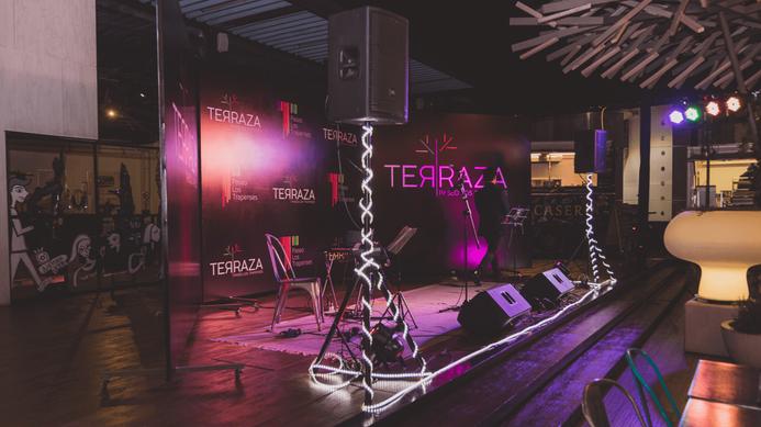 7_3_Escenografia_Terraza_Trapenses.png