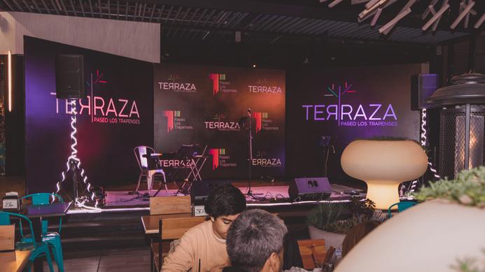 7_2_Escenografia_Terraza_Trapenses.png