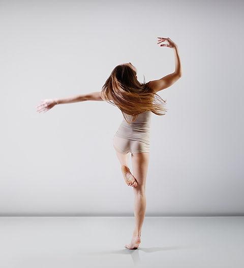 Teen Ballet Dancer_edited_edited.jpg