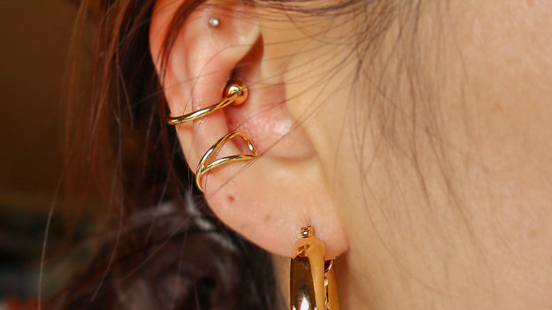 Simple Ball Ear Cuff