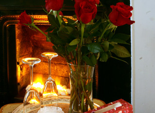 CHAMPAGNE, ROSES, CHOCOLATES AND BREAKFAST IN BED!  CHARRED OAKS INN OFFERS MONTH-LONG VALENTINE&#39