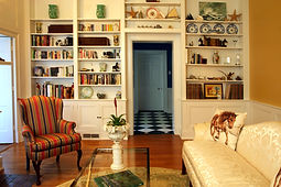 Common Room at Charred Oaks Inn near Keeneland