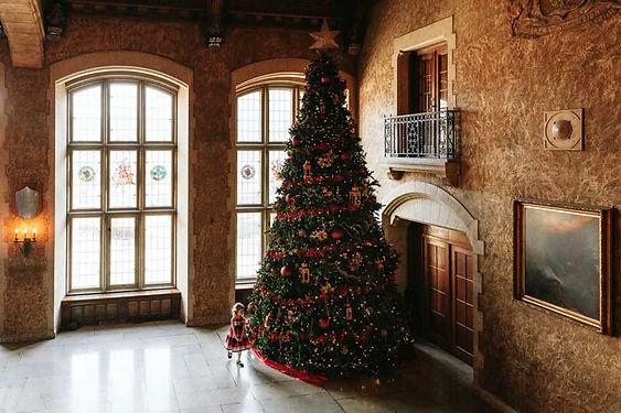 ChristmasAtTheCastle-ChristmasTree-2020.