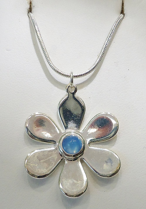 Blue Onyx Daisy Silver Pendant & Chain