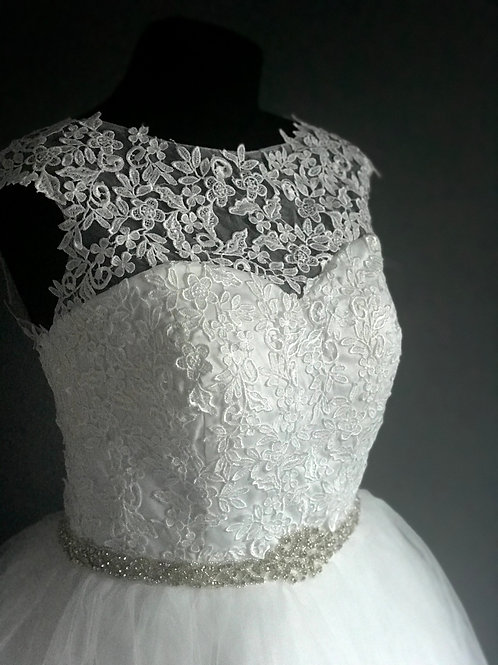 Size 14 Lace & Tulle Wedding Dress