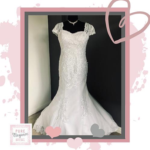 Size 18/20 White Capped Sleeve Wedding Dress