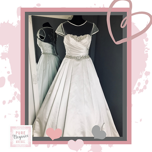 Size 10/12 Alfred Angelo Wedding Dress