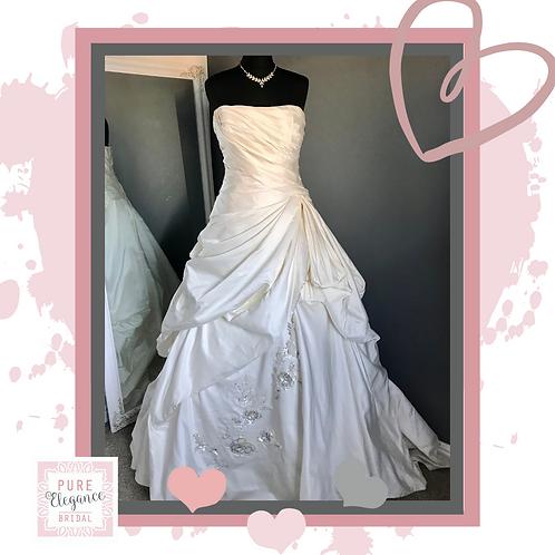 Size 14 Enzoani Wedding Dress