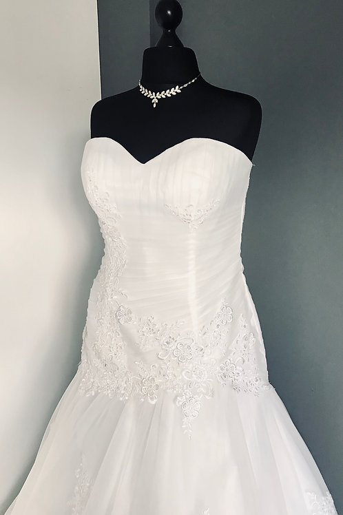 Size 18 Ivory Fit and Flare Wedding Dress