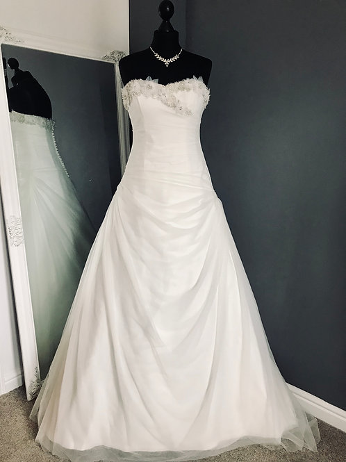 Size 12 Benjamin Roberts Wedding Dress
