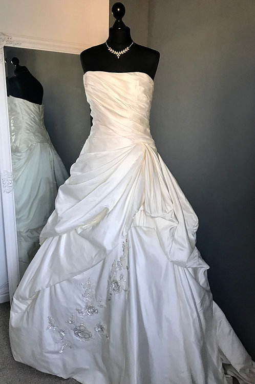 Size 14 Enzoani Wedding Dress