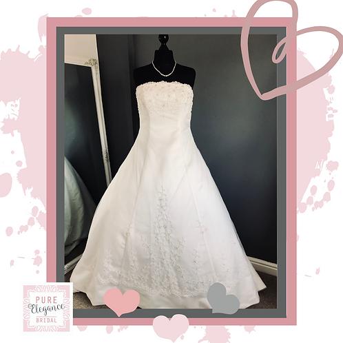 Size 16 Ivory Wedding Dress with Beaded Train