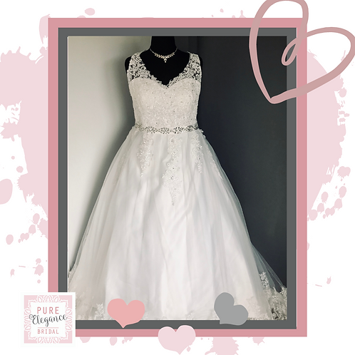 Size 20 Ivory Lace Wedding Dress