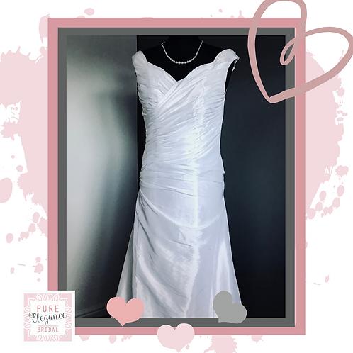 Size 6/8 Ivory Wedding Dress
