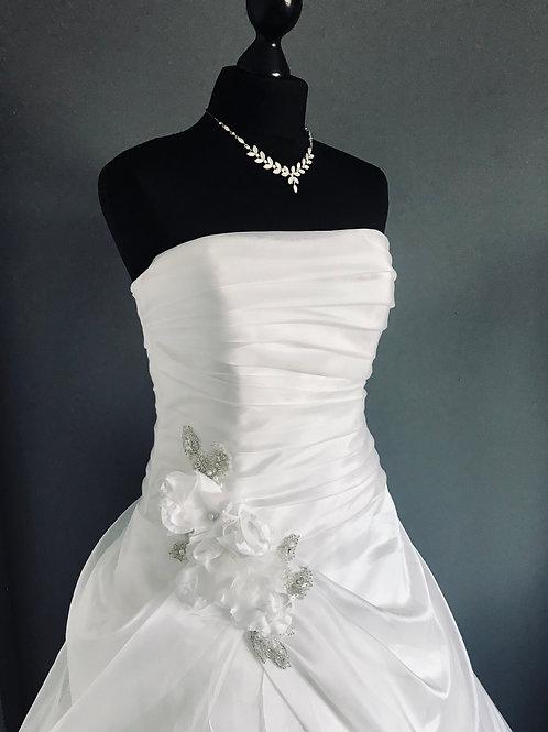Size 12 Benjamin Roberts Ivory Wedding Dress