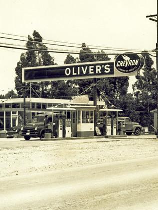 Oliver's, 1954