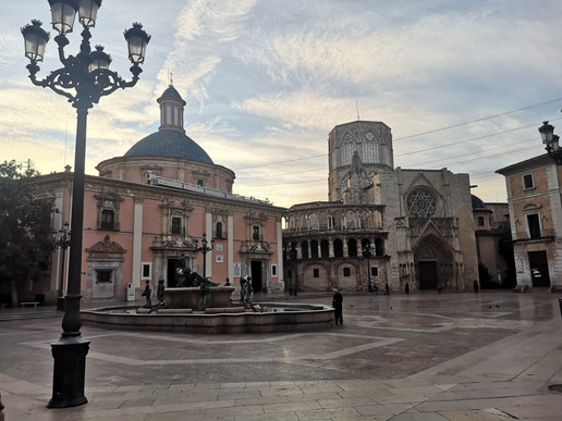 Plaza de la Virgen in Valencia