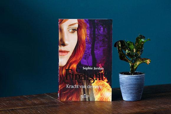 Sophie Jordan - Firelight: Kracht van de onyx