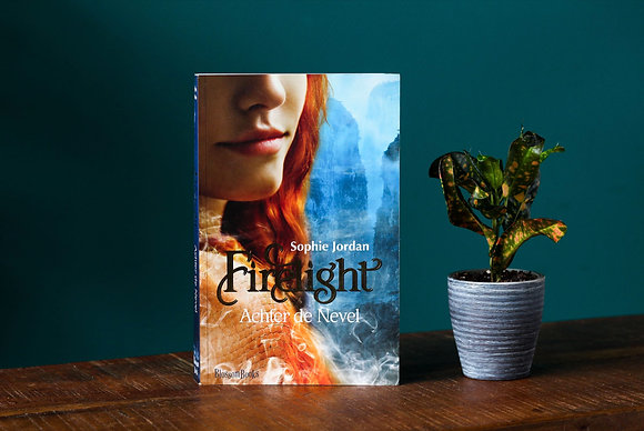Sophie Jordan - Firelight: Achter de nevel
