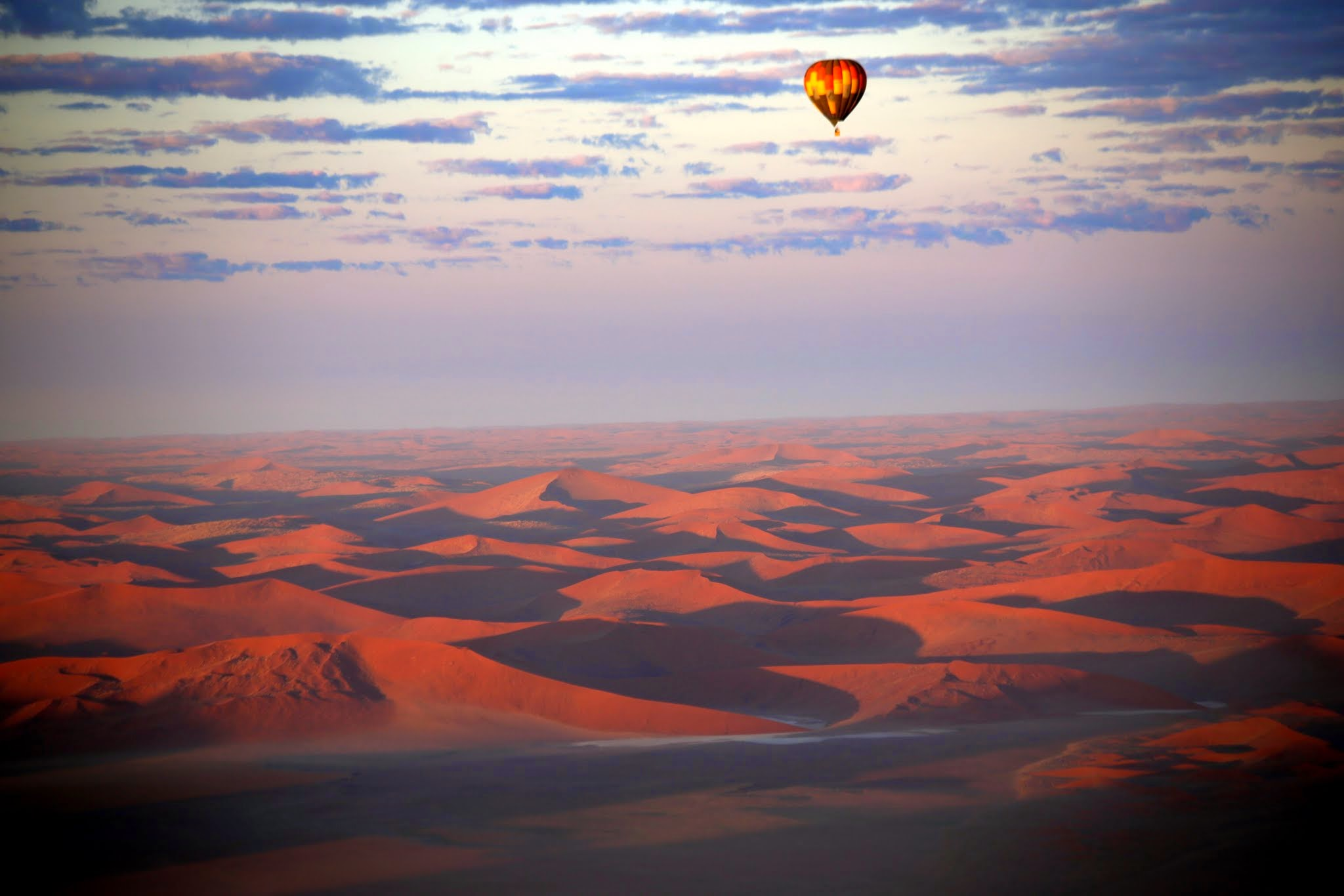 baloon ride over desert