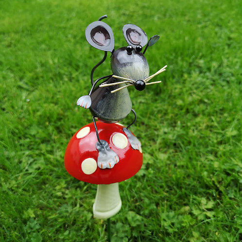 Marty Mouse and his Toadstool
