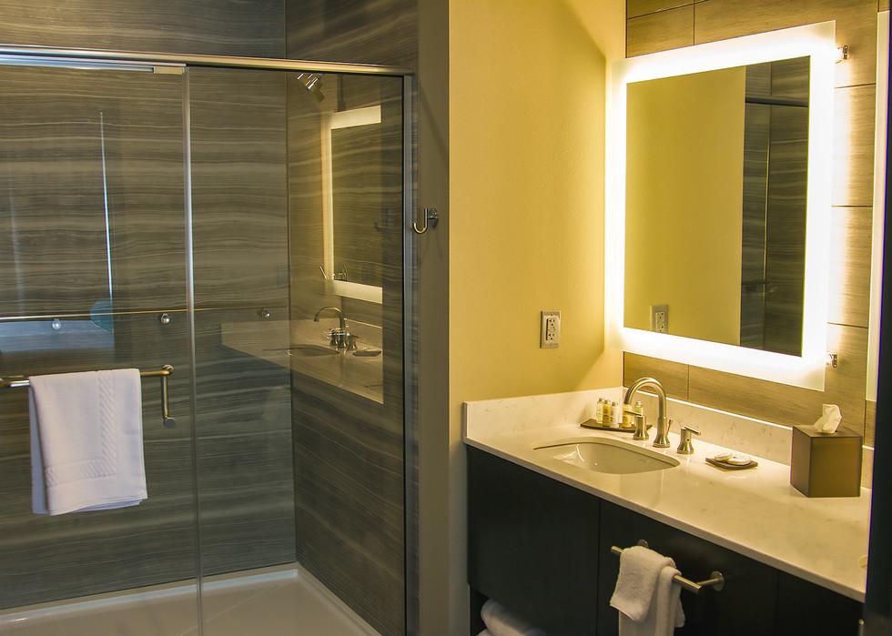 esuitebathroom.jpg