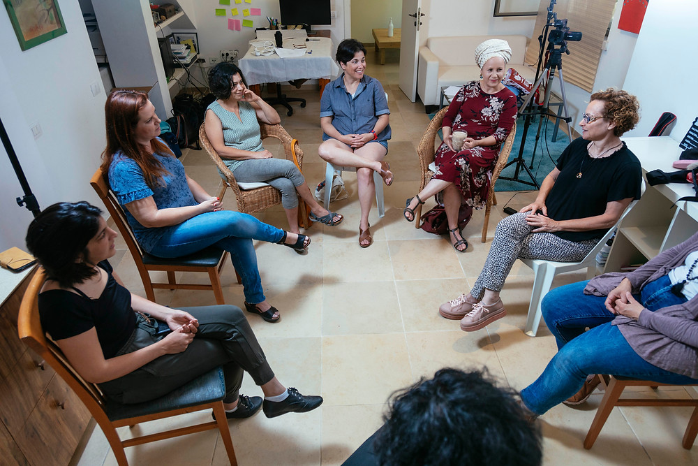 סדנאות וטיפולי וידאותרפיה באמצעות וידאו
