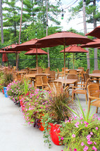 Outdoor Dining & Meeting Space
