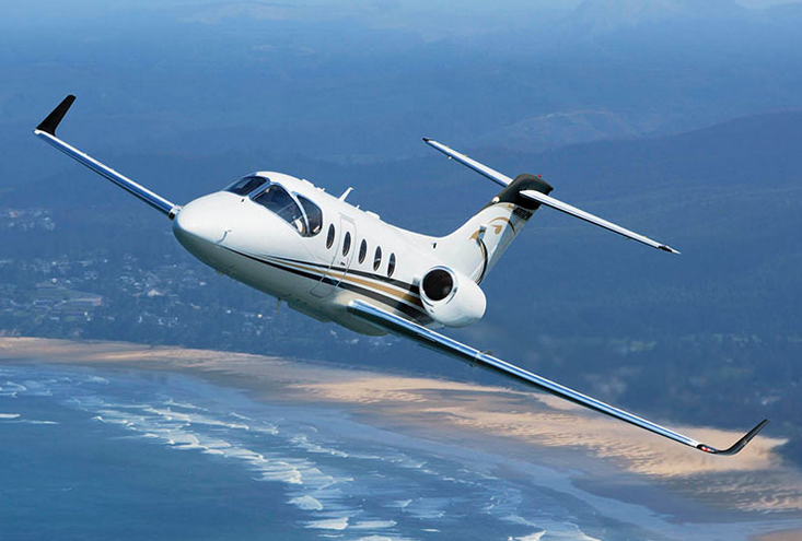 HAWKER-400XP-Jet-Flying.png