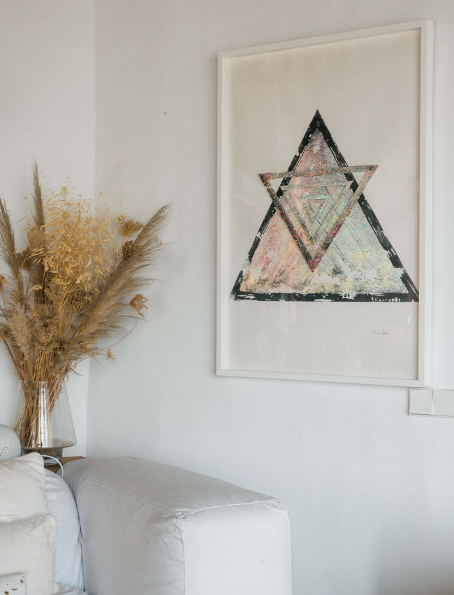 """""""Shapes & Spheres"""" sand & pigment triangle n.1"""
