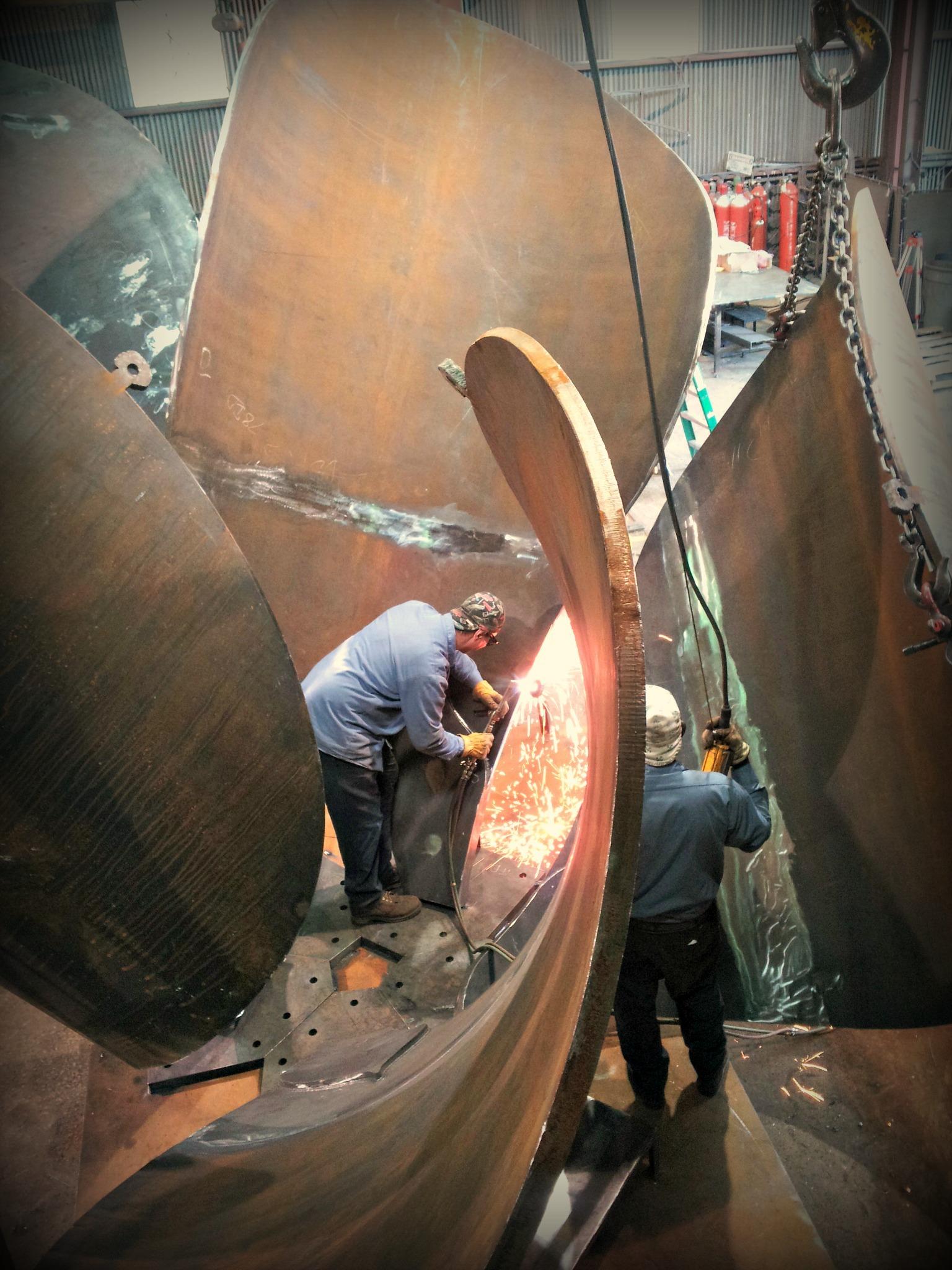 metal art sculptor