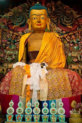 buddha-statue-ghoom-monastery-colorful-l