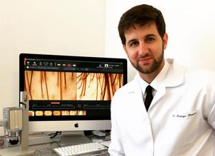 Tricoscopia digital com FOTOFINDER: Novo equipamento permite diagnosticar com exatidão doenças dos c