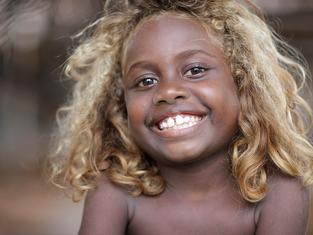 O mistério dos cabelos loiros das Ilhas Salomão