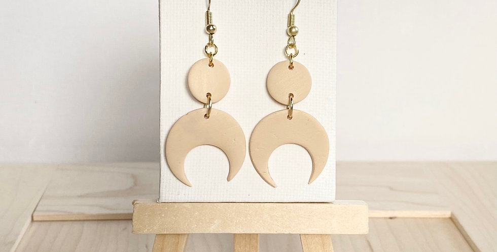 Over the Moon Beige | Clay Earrings