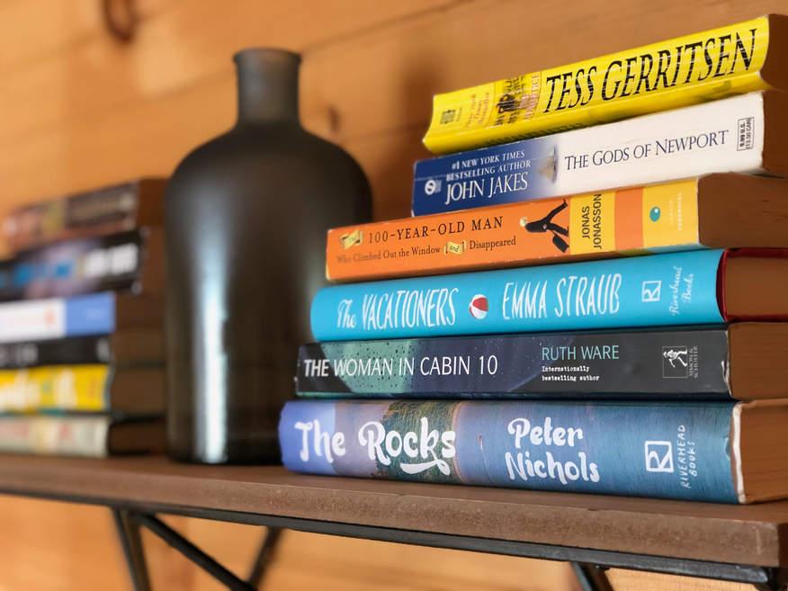 Upper Floor Bedroom 2 - Books