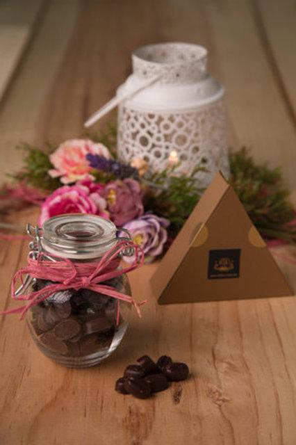 Frasco con granitos de chocolate macizo de 95% cacao