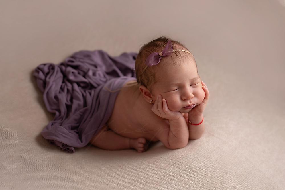sedinta foto nou nascut, sedinta foto nou nascuti Bucuresti, fotograf nou nascuti Bucuresti, studio foto bebelusi Bucuresti, fotograf bebe Bucuresti