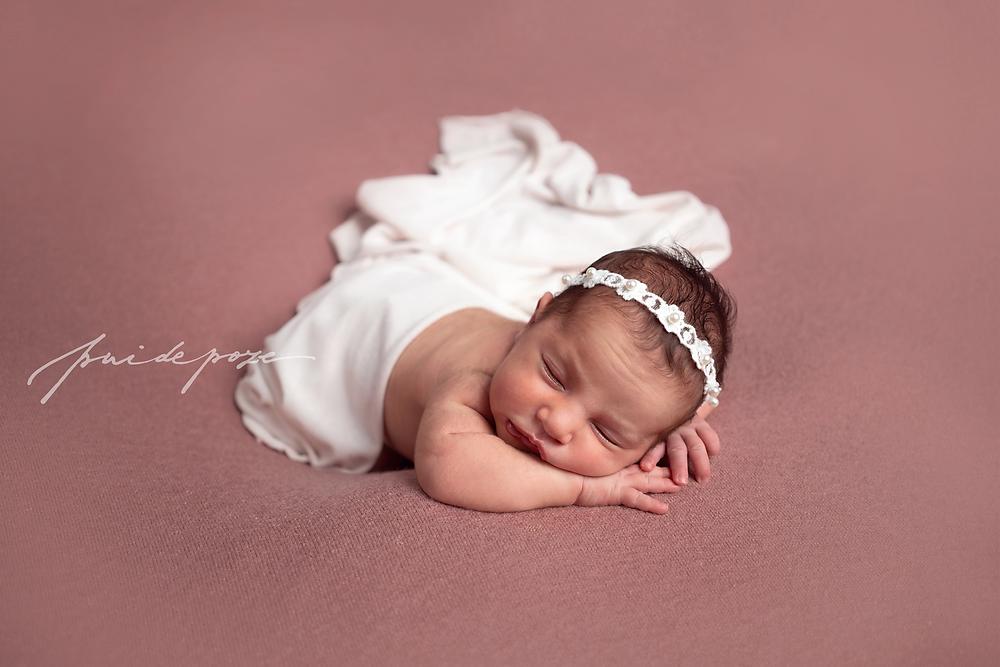 Fotograf nou nascuti Bucuresti, fotograf bebelusi Bucuresti, sedinta foto nou nascuti Bucuresti