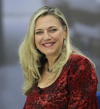Anne Cattaruzza.png
