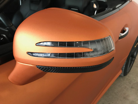 Mercedes Benz SL mit Matte Metallic Blaze Orange Folierung
