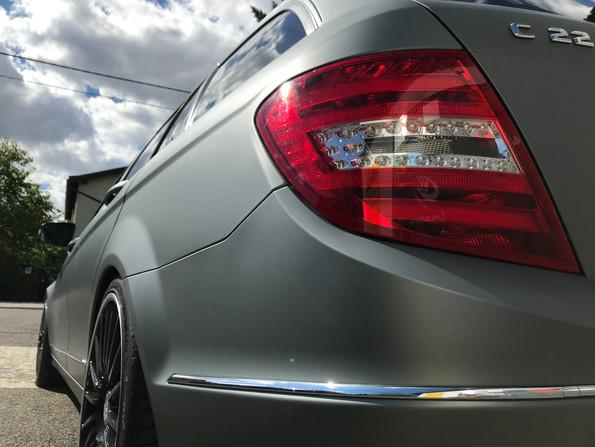 Mercedes Benz C Klasse Kombi mit Anthrazit Avery Denisson Folierung