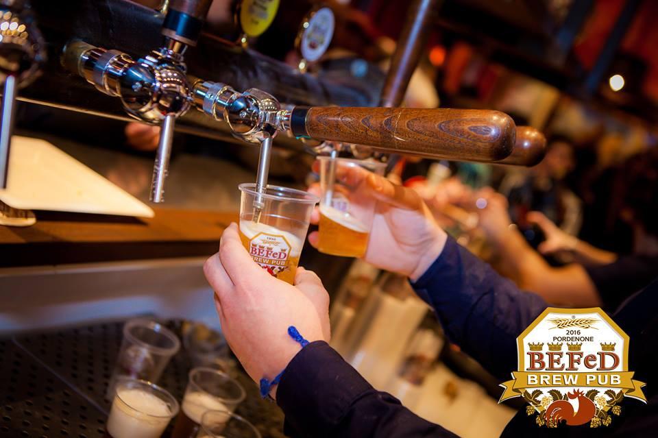 Ettolitri di birra spillati il giorno dell'inaugurazione