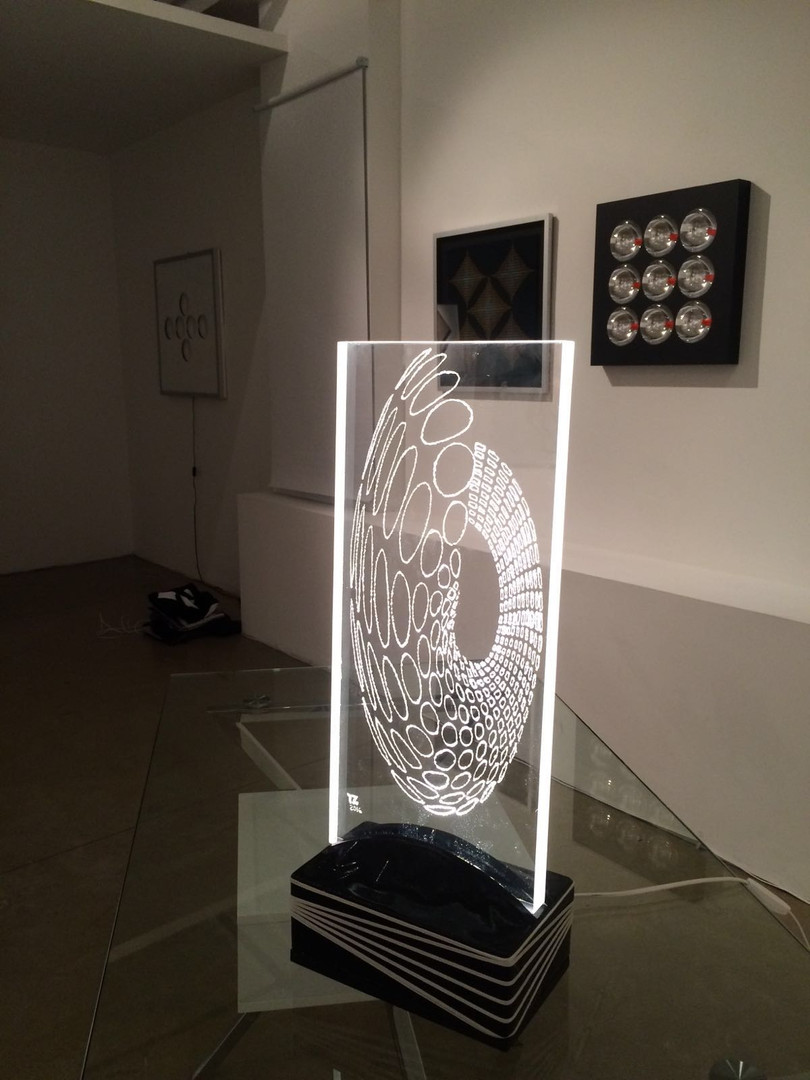 TZ-tony_zanardi_light_scupture_GR_gallery_NYC_4.jpg
